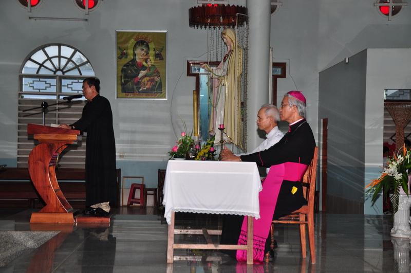 Đức Giám mục Giáo phận kinh lý Giáo xứ Phù Mỹ