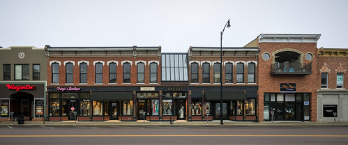 Columbia Missouri, http://www.notleyhawkins.com/, Notley Hawkins Photography, facade, storefront, architecture, Walnut Street, Como, 2017, November, Broadway, Downtown, Alley A Real Estate, road, window, shop class=