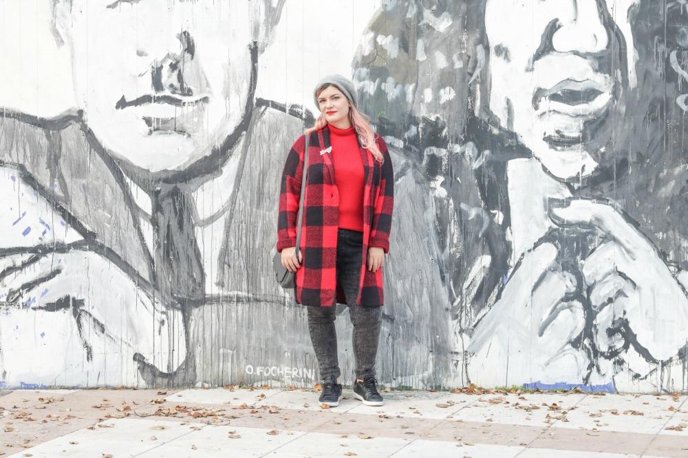 Outfit plus Kik, scozzese rosso e grigio (4)