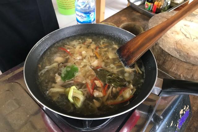 月, 2017-11-13 03:15 - Ketut's Bali Cooking Class