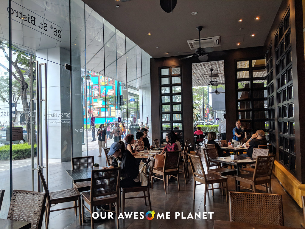 26th St. Bistro: The Best Coffee Bean and Tea Leaf in Manila just got better!