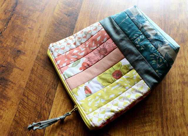 Bountiful Make-up Bag Reversed
