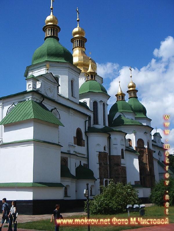 Город Киев прогулки туристов с Фотоаппаратом
