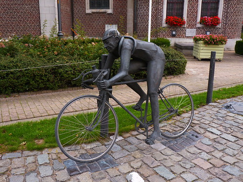 Statue de Briek Schotte, dit