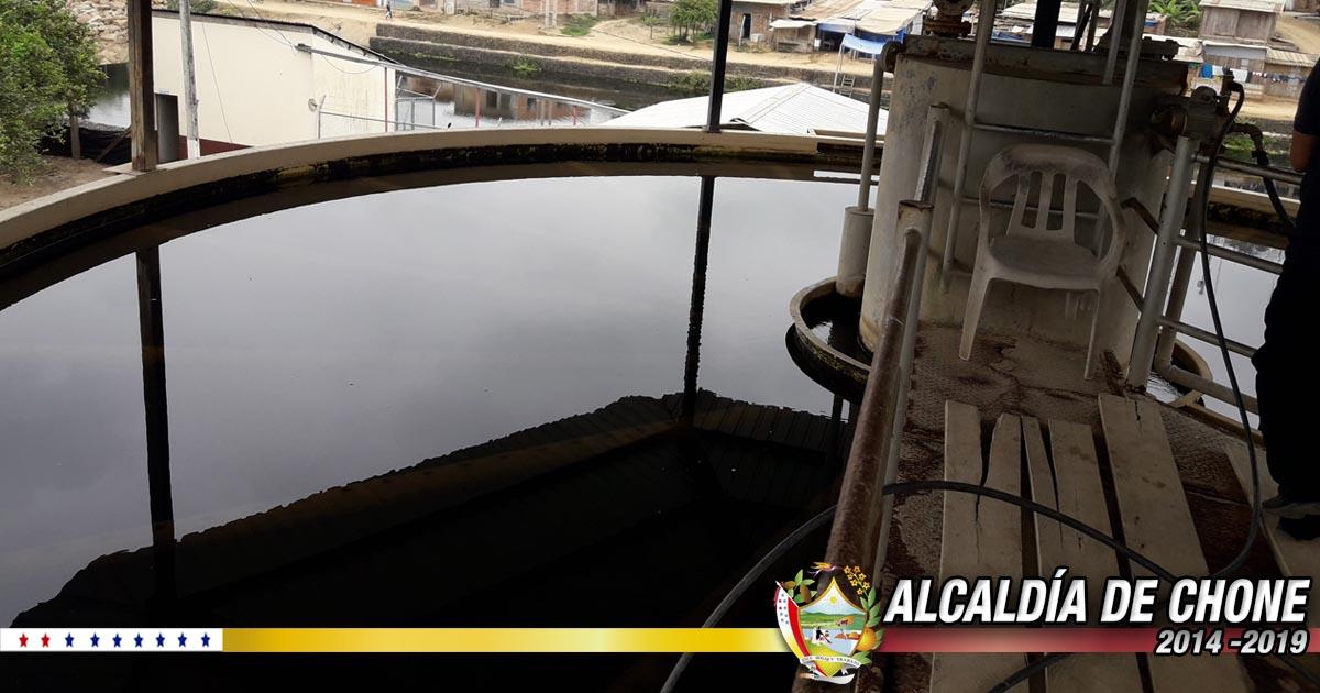 El agua de Chone es tratada bajo normas técnicas