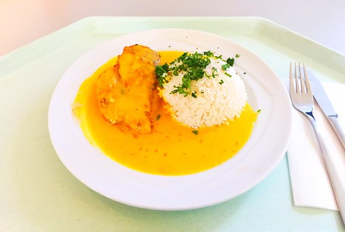 Chicken breast in apricot curry sauce with basmati rice / Hähnchenbrust mit Aprikosen-Currysauce & Basmatireis