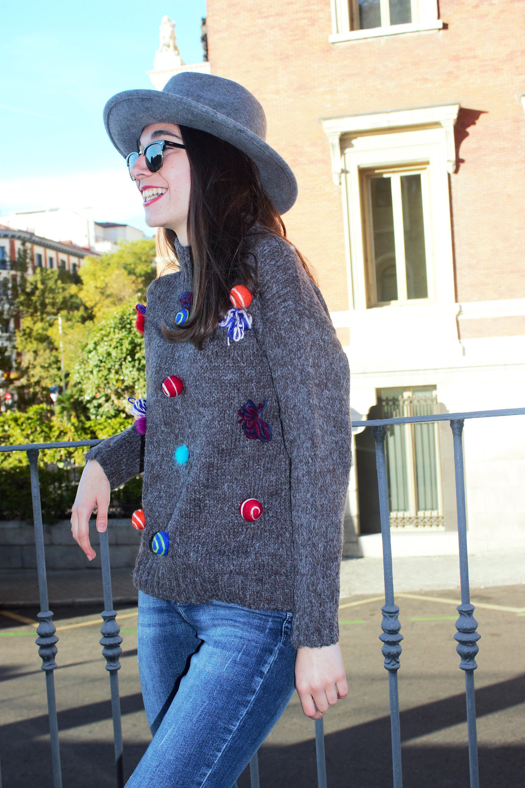 madlula-fashion-streetstyle-chic-jersey-alegría-gris-moda