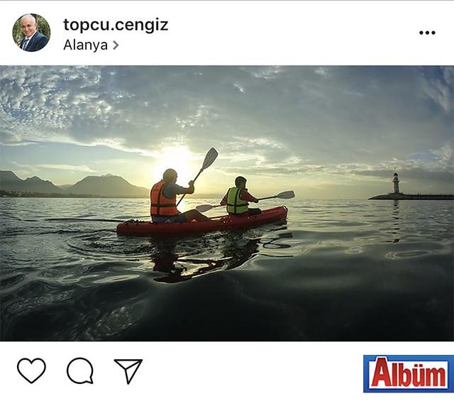 Exotic Tourism sahibi turizmci Cengiz Topçu, oğlu ile birlikte Alanya Limanı açıklarında kano keyfi yaptı.