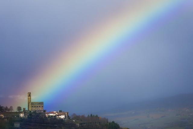 Castello dei Conti Guidi (Poppi) e l'arcobaleno