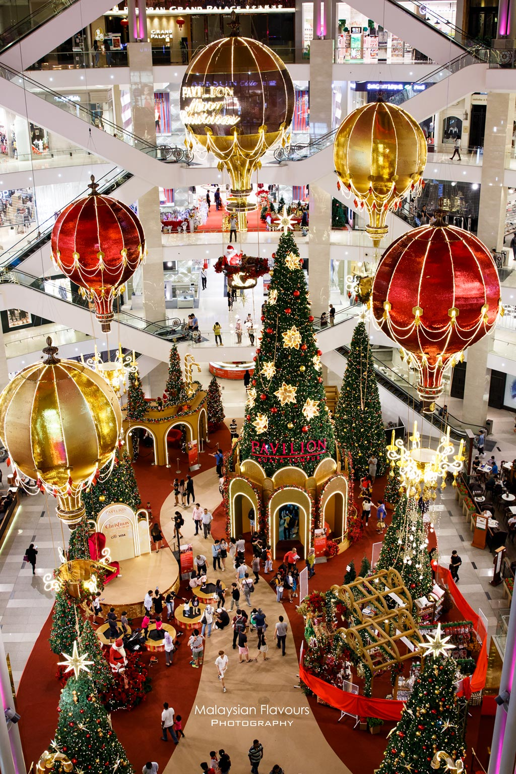 Pavilion KL Christmas Decor 2017 : Magical Hot Air Balloon ...