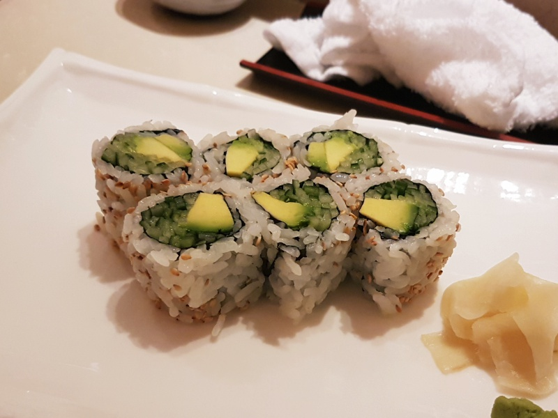 avocado cucumber maki