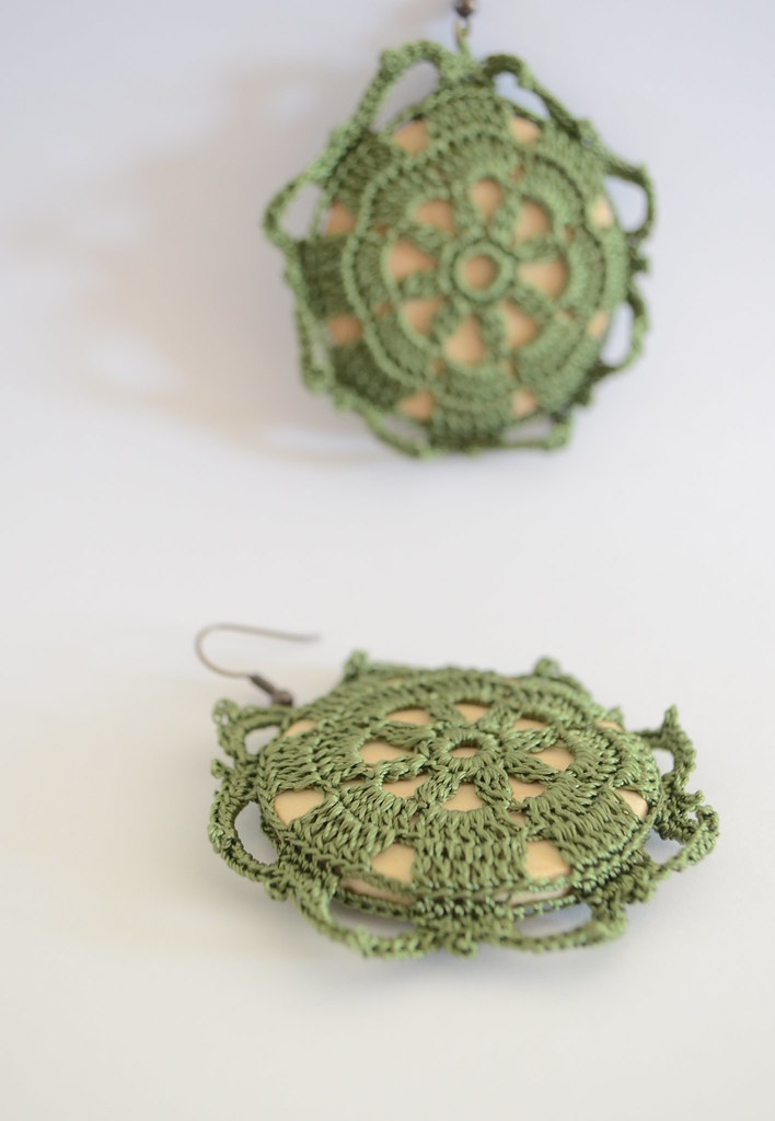 Crochet earrings - Retro green