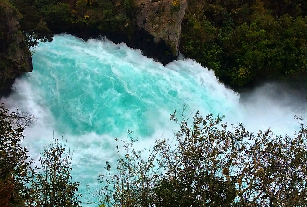 Водопады Хука - самая посещаемая достопримечательность Новой Зеландии