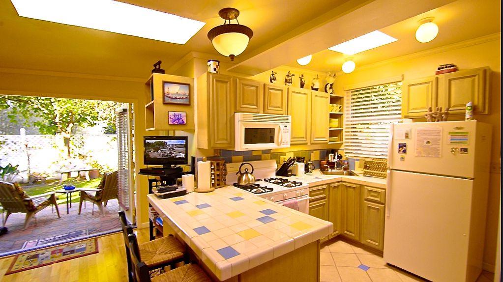 3971 Beethoven St,Los Angeles,California 90066,1 Bedroom Bedrooms,1 BathroomBathrooms,Apartment,Beethoven St,5791