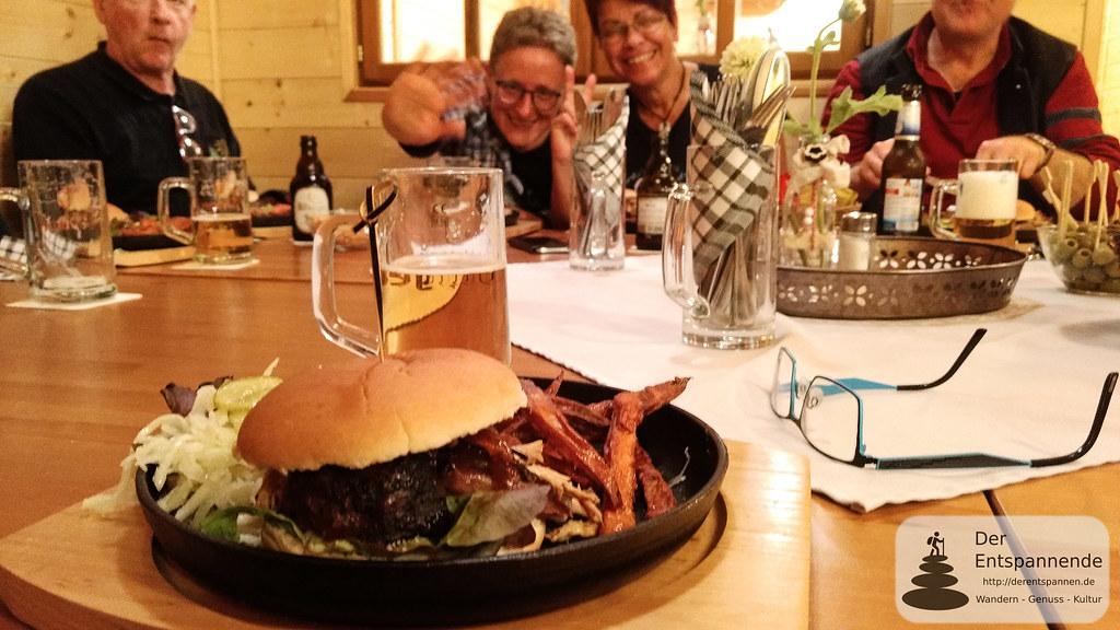 Pulled Pork bei Begrüßung der Bloggergruppe durch die Ortsbürgermeister in der Lunner Hütte
