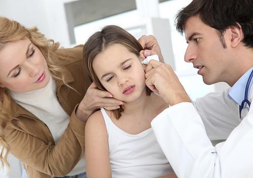 Cara Menghentikan Nanah Yang Keluar Dari Telinga