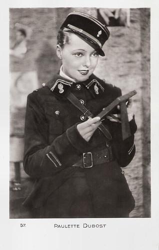 Paulette Dubost in La caserne en folie (1935)