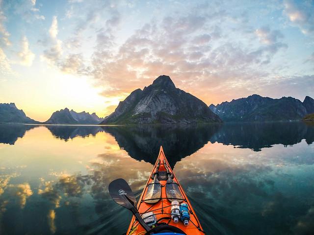 AMAZING NORWAY SCENERY KAYAK