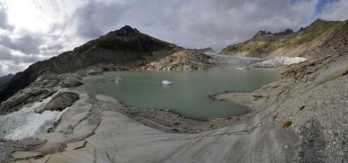 The proglacial lake of the Rhone Gletscher
