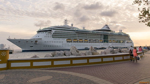 willemstad curaçao cw beginning sunset cruise ship serenadeoftheseas caraïbes sonyphotographing