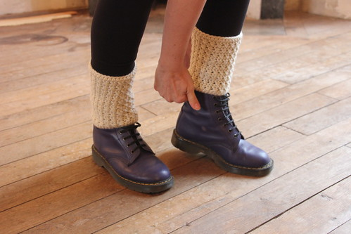 Kriss Kross leg warmers