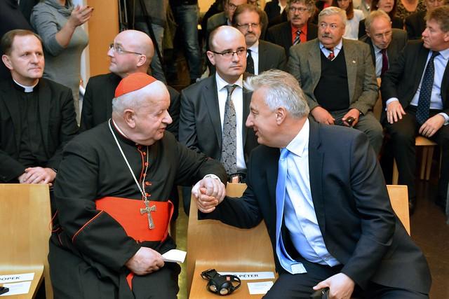 Szent II. János Pál pápa egykori titkárát köszöntötte Semjén Zsolt