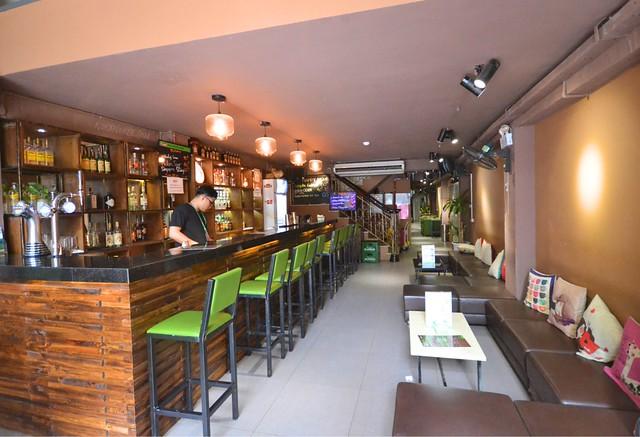 cocoon inn hanoi bar