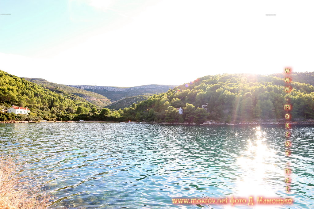 Хвар — остров в Адриатическом море, в южной части Хорватии фото достопримечательностей