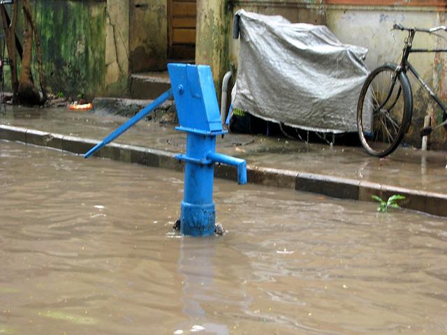 बाढ़ से प्रदूषित भूजल