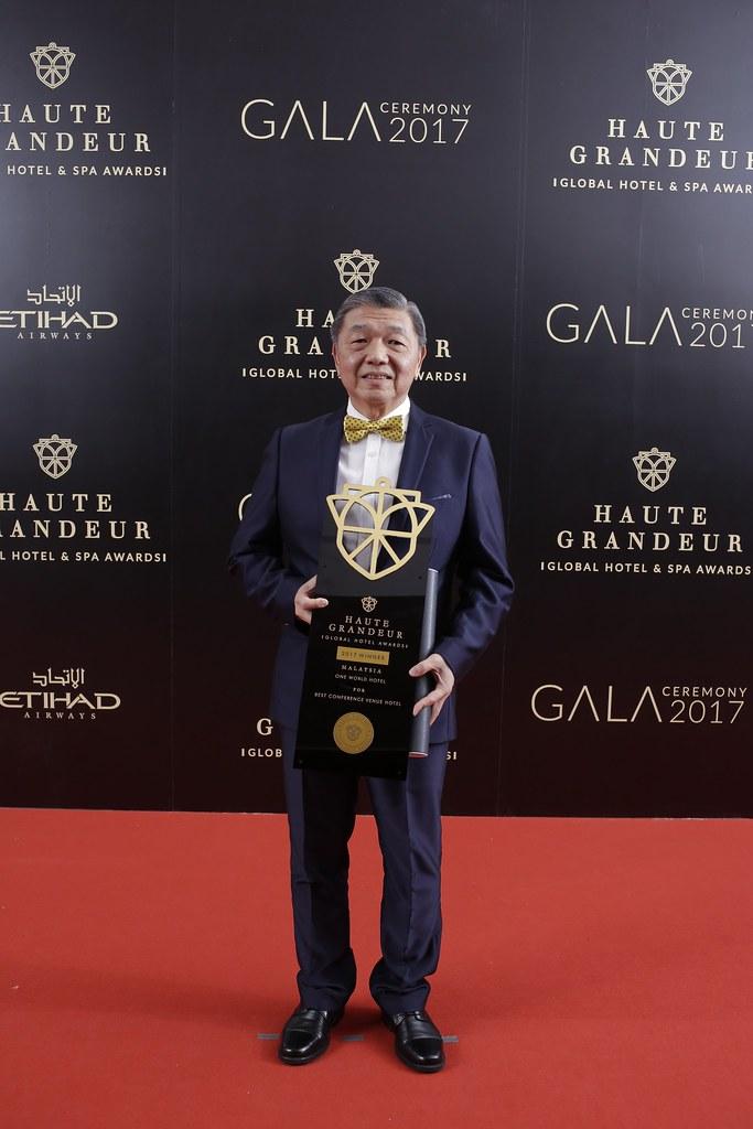 Tan Sri Teo Chiang Hong At Haute Grandeur Awards 2017