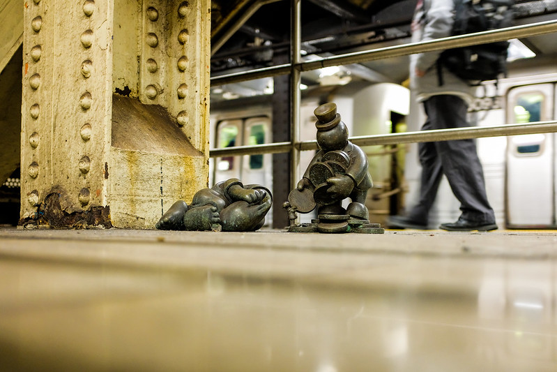 Walk In New York - NYC 2017 - Tom Otterness -Life Underground - 14th Street Eighth Avenue (5)