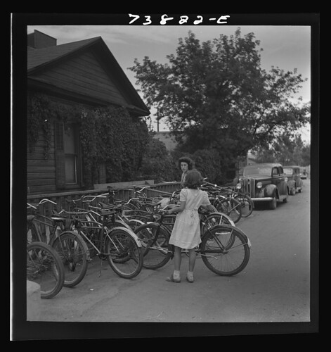 Pocatello, Idaho. Bicycle racks (1942)