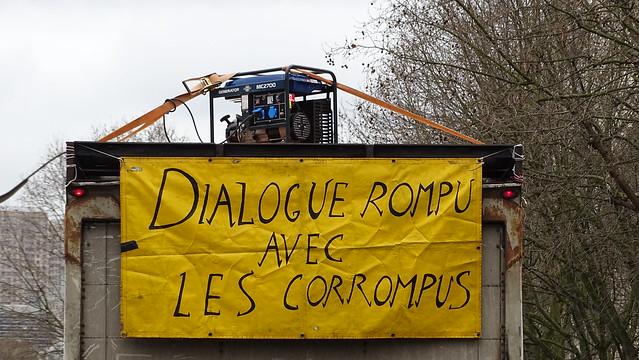 Dialogue rompu avec les corrompus