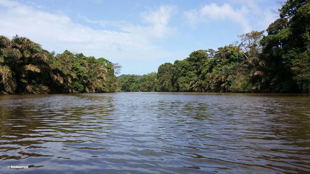 Veneessä matkalla Arenalista Tortugueroon