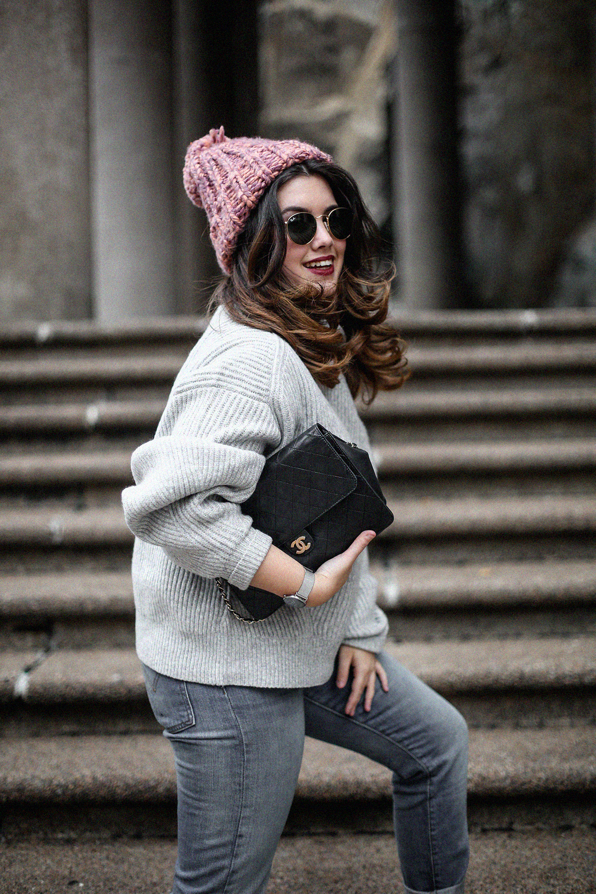 puffer-coat-grey-sweater-look-streetstyle10