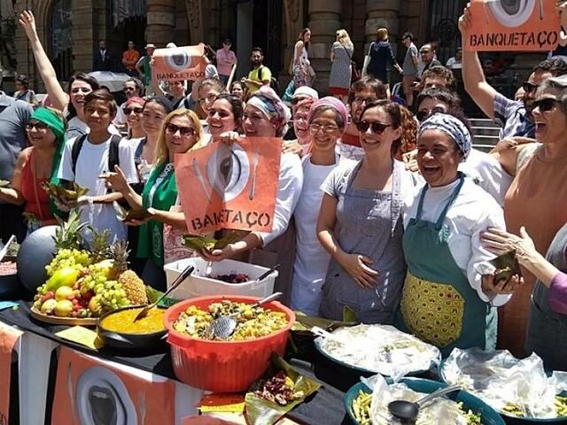 Chefs e militantes da segurança alimentar se uniram para produzir refeição e combater o desperdício de alimentos em São Paulo. Foto: RBA