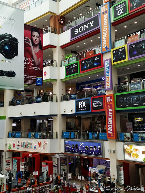 Funan DigitaLife Mall 03
