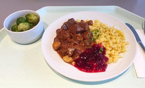 Venison goulash with sweet chestnuts & spaetzle / Hirschgulasch mit Maronen & Spätzle