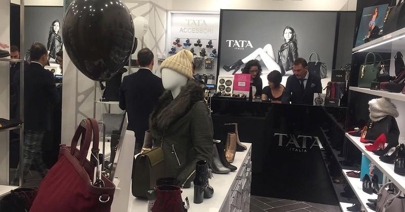 separation shoes 179e1 177c3 Tata Calzature, nuovo showroom a Salerno. Ascolta i ...