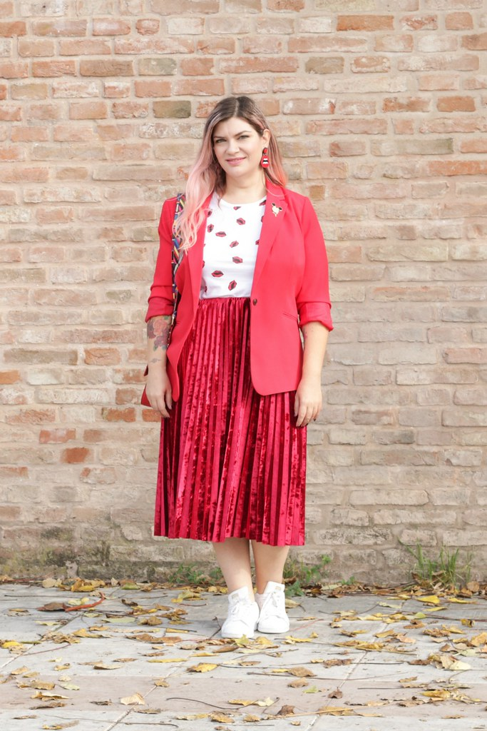 Outfit plus size, rosso su rosso (5)