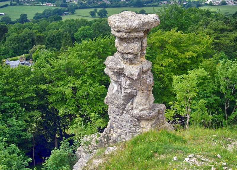 Devil's Chimney, Leckhampton Hill, Gloucestershire. Credit Wilson44691