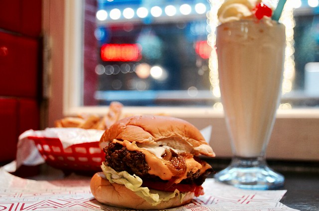 Stax Diner to Give Away 200 Free Cheeseburgers from Noon on Thursday 7 December