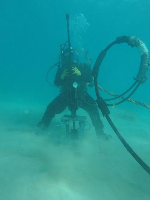 Responders install underwater moorings near Pacific Paradise