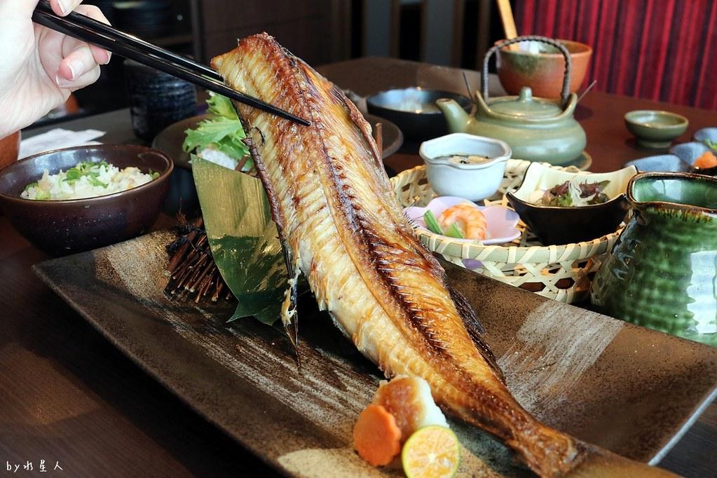 38352023522 ca94971e53 b - 熱血採訪|藍屋日本料理和風御膳,暖呼呼單人火鍋套餐,銷魂和牛安格斯牛肉鑄鐵燒