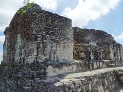 Yaxha Acropolis Este Ciudad Maya Sitio Arqueologico Guatemala  09