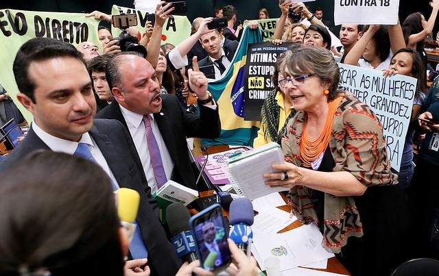 Disputa acirrada dá o tom dos debates na comissão da PEC 181, que tem apenas seis mulheres  - Créditos: Richard Silva/PCdoB na Câmara