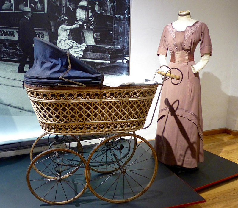 Promenade Baby Carriage, c. 1890. Credit Geolina163