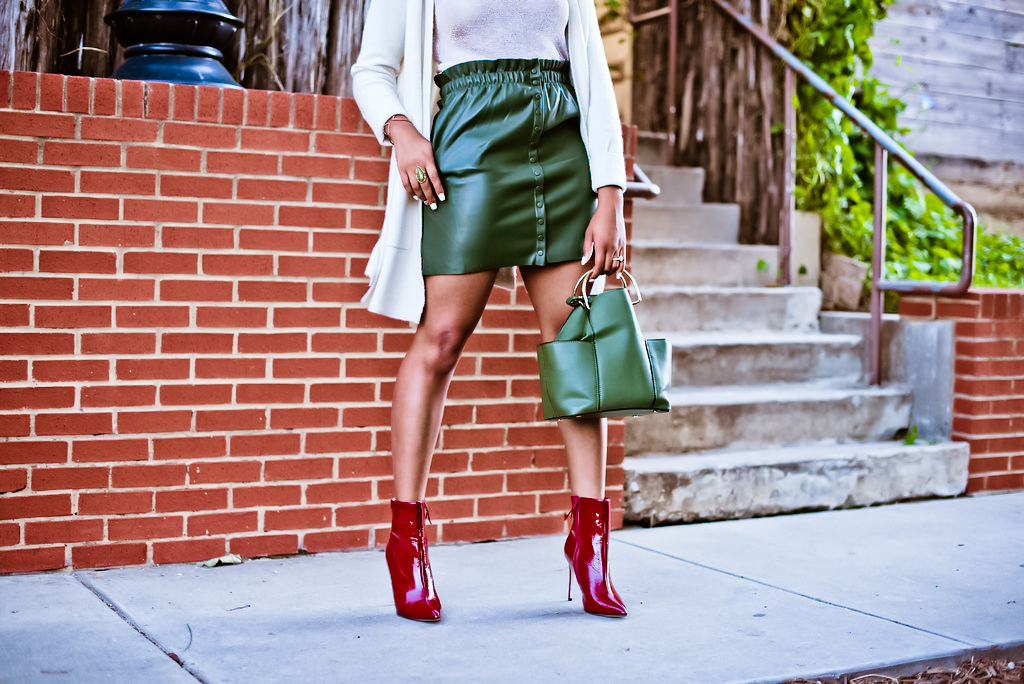 how to wear a faux leather skirt, the beauty beau