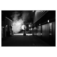 Gotham City XPro2 . #xpro2 #fujixpro2 #fujifeed #fujifilm #fujilove #myfujilove #fujifilm_xseries #fujifilmusa #fujifilmnordic #fujifilmme #fujifilm_uk #twitter #geoffroyschied #streetphotography #everybodystreet #streetphoto #street #blackandwhiteisworth