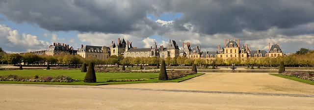 Château de Fontainebleau panorama